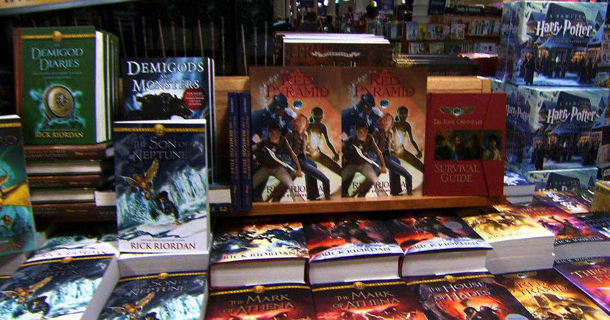Not Just For Kids Young Adult Books Are Big Sellers - Cbs News-1871