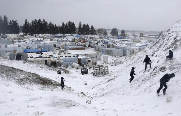 Syrian refugees face frigid weather