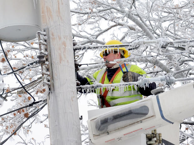 ice_power_outage_AP830272494622.jpg