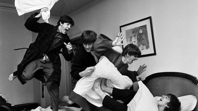 008-beatles-pillow-fightharry-benson-small.jpg