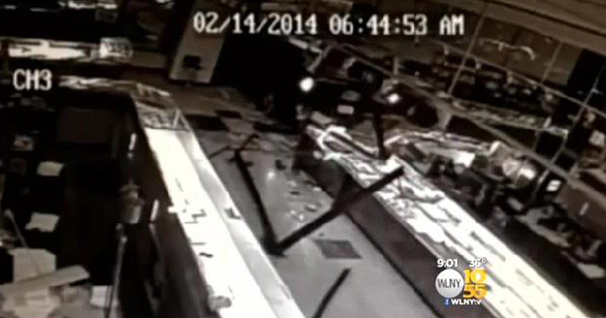 Surveillance Reveals Smash And Grab Theft At Jewelry In N J Cbs News