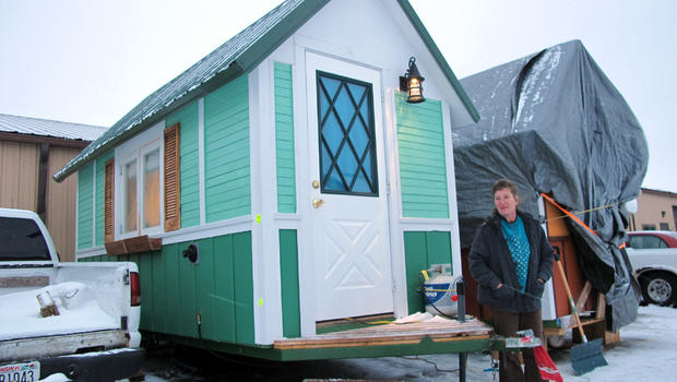 Tiny houses helping with homeless problem in US CBS News