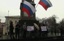 Russia flexes muscle over Ukraine crisis