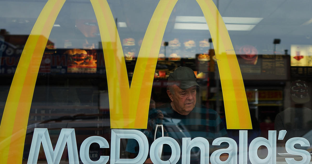 Fast-food workers sue McDonald's for wage theft - CBS News