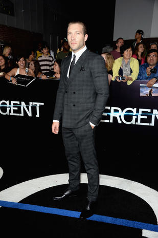"""Divergent"" premieres in Los Angeles"
