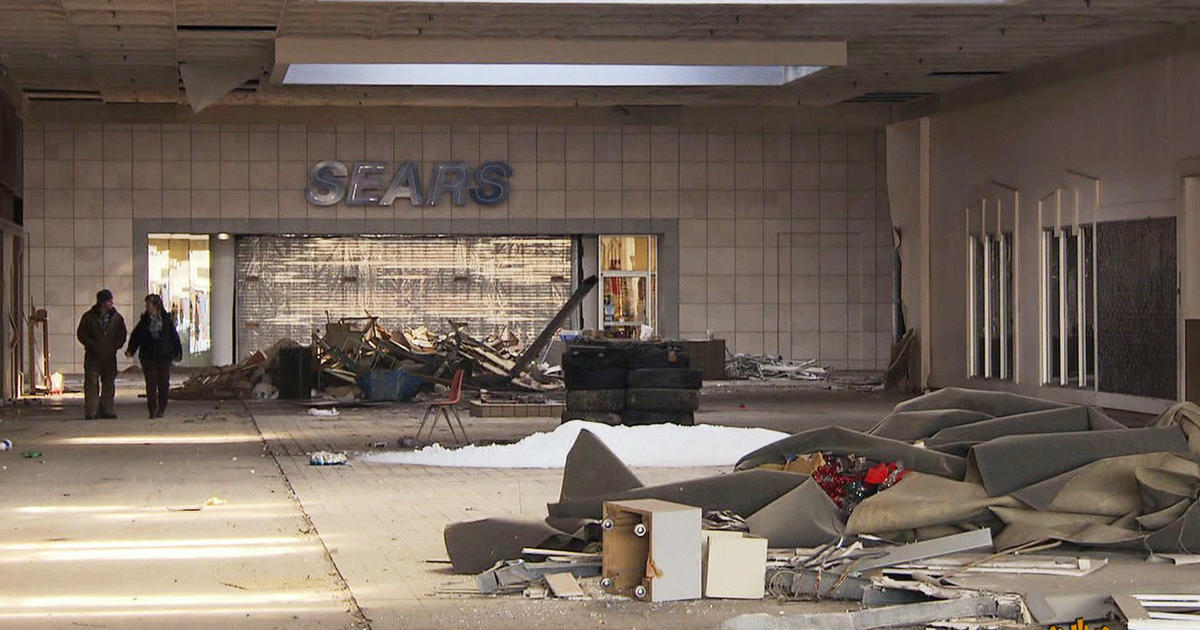 A Dying Breed The American Shopping Mall
