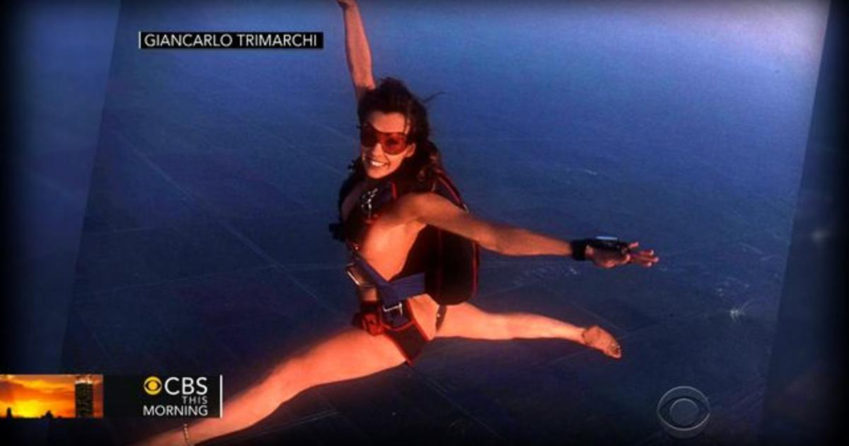 picture naked Roberta mancino jump