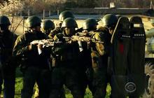 Pro-Russian activists storm Ukraine police headquarters