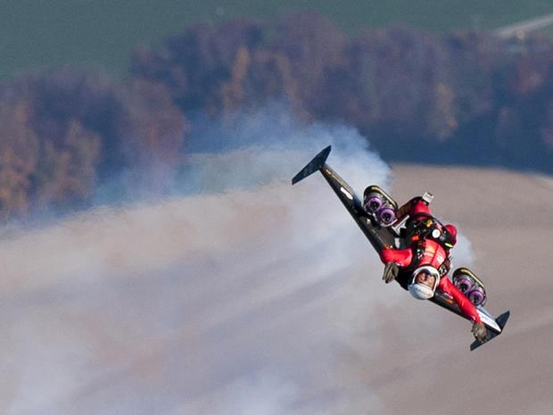 jet-pack-yves-rossy-109256974.jpg