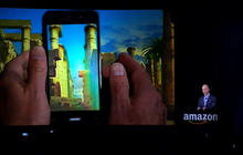 Amazon CEO unveils Fire Phone's 3D feature, Dynamic Perspective