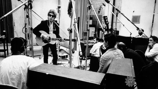 bob-dylan-in-the-recording-studio-1965.jpg