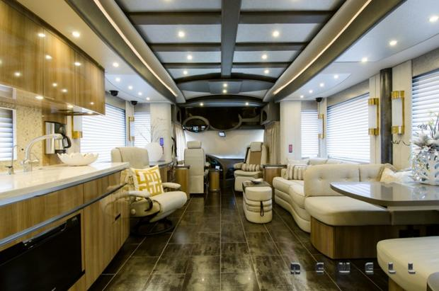 Visibly Loud Luxury Motorhome Rental Newell Coach Rg together with Country Coach Prevost Of in addition Fleetwood Revolution C Of also D Db E C Ca F D D F furthermore Bcfbe C F E Ee C F F. on newell motor coach luxury motorhomes