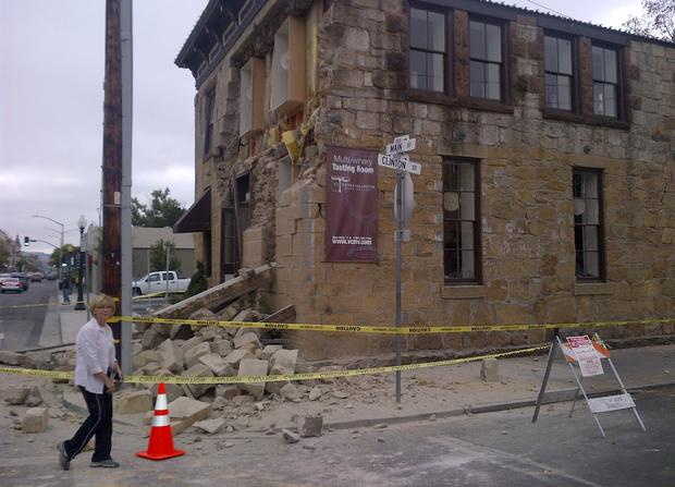Strong earthquake knocks Napa Valley