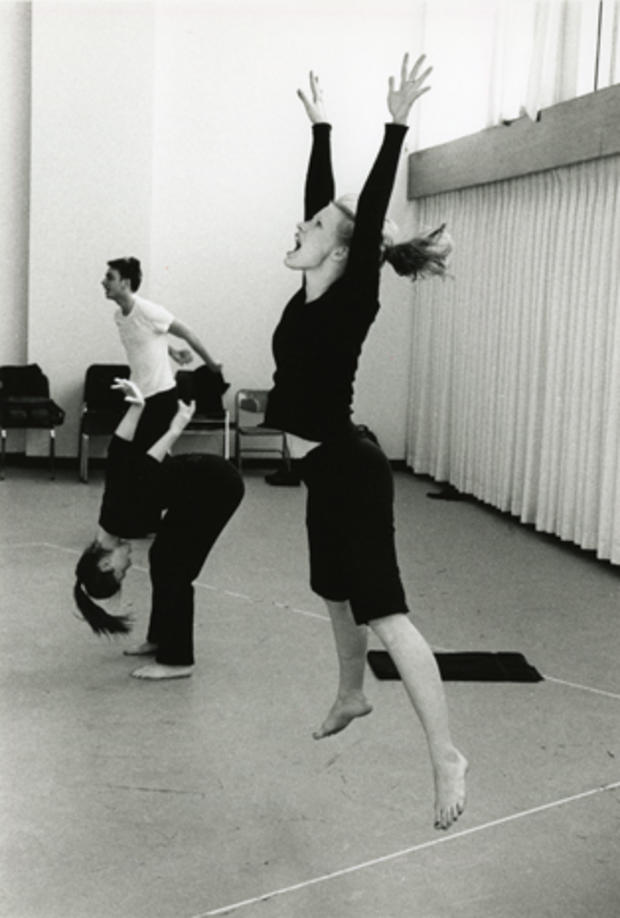 jessica-chastain-juilliard-movement-class.jpg