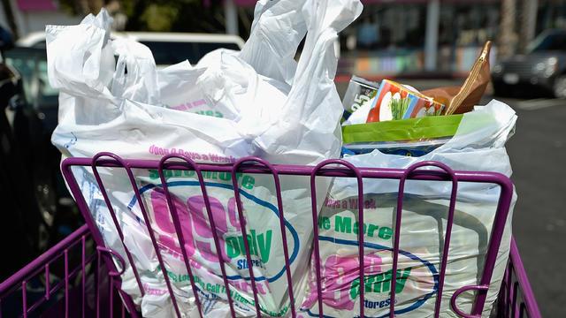 california-plastic-bag-ban.jpg