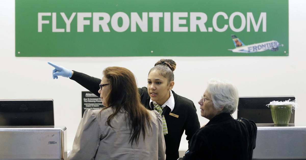 Frontier Airlines glitch email panics holiday travelers