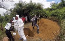 Ebola protocols clash with African burial customs
