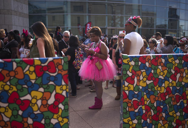 Hello Kitty convention hits L.A.