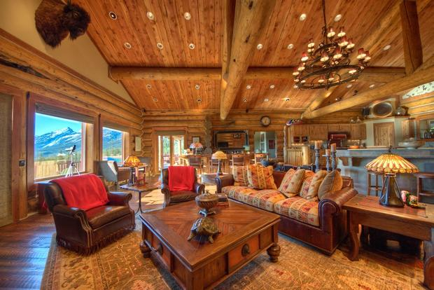 10 luxurious log cabins on the market cbs news for Huge log cabin homes