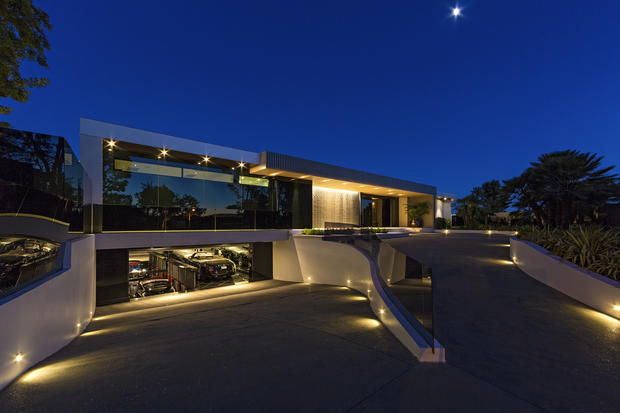 1181 North Hillcrest - Inside the most expensive house in Beverly Hills -  Pictures - CBS News