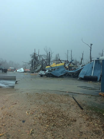 Tornadoes hits Louisiana, Mississippi