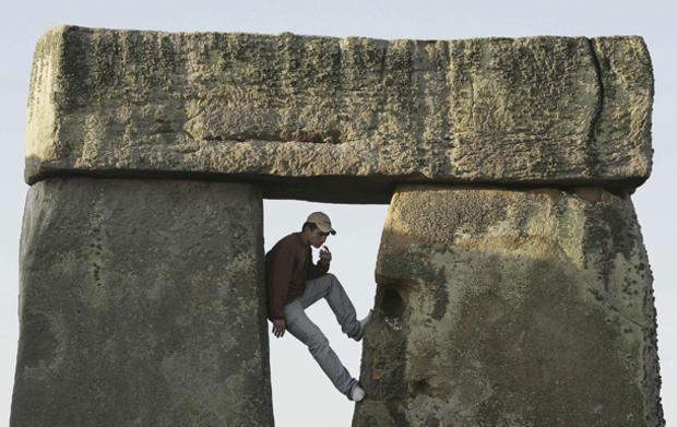 stonehenge-53109637.jpg