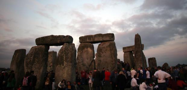 stonehenge-170997564.jpg