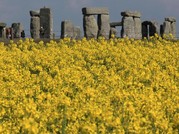 stonehenge-143328374.jpg