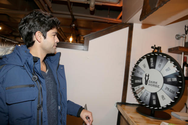 adrian-grenier-warmed-up-with-dark-horse-wine-at-village-at-the-lift-while-celebrating-the-bold-independent-films-at-sundance.jpg