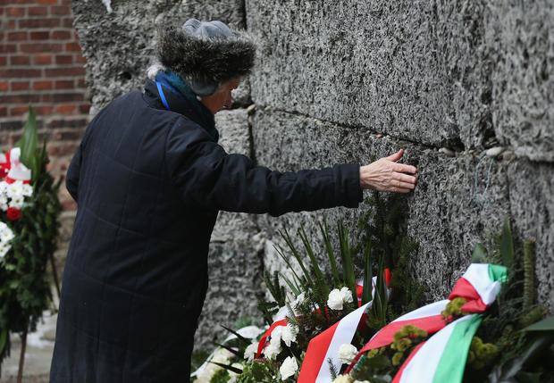 Survivors and notables mark 70th anniversary of Auschwitz liberation