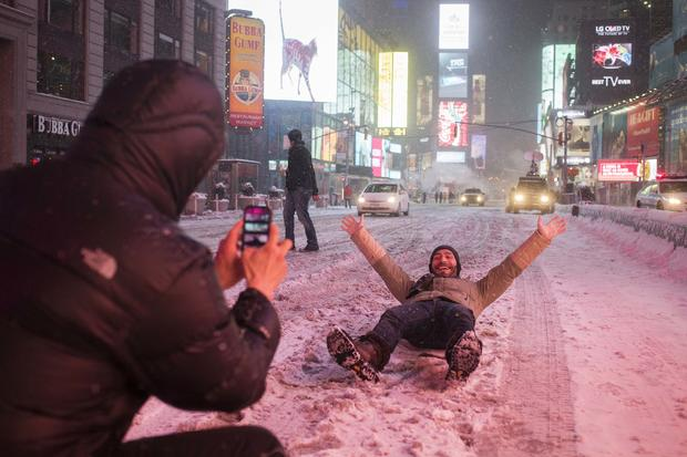 2015-01-27t073900z2029838427gm1eb1r17ec01rtrmadp3usa-weather-storm.jpg