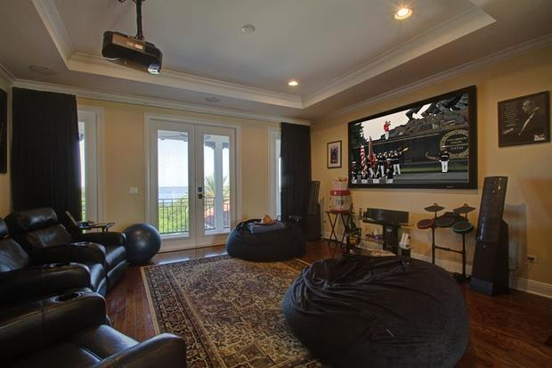 Rob Gronk Gronkowski 6 Super Lux Super Bowl Homes Cbs News