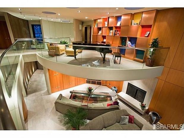 Marshawn Lynch 6 Super Lux Super Bowl Homes Cbs News