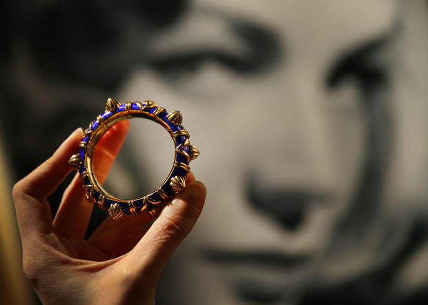 Lauren Bacall items up for auction