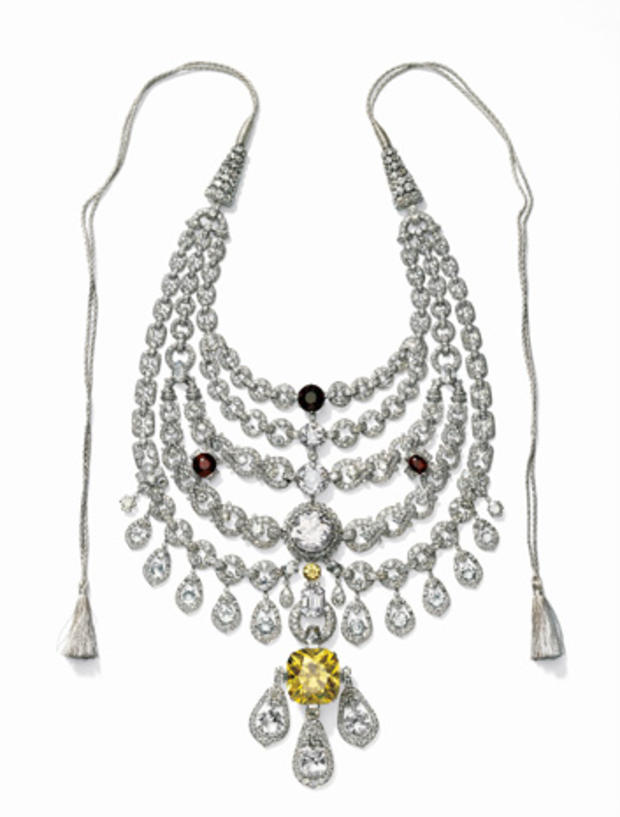 4necklace-created-for-sir-bhupindra-singh-maharaja-of-patiala.jpg