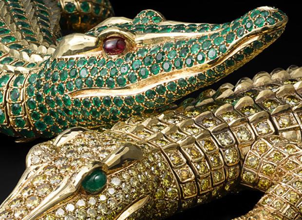 15300crocodile-necklace-detail.jpg