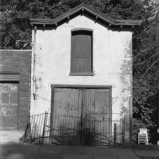 garage-with-iron-rail.jpg