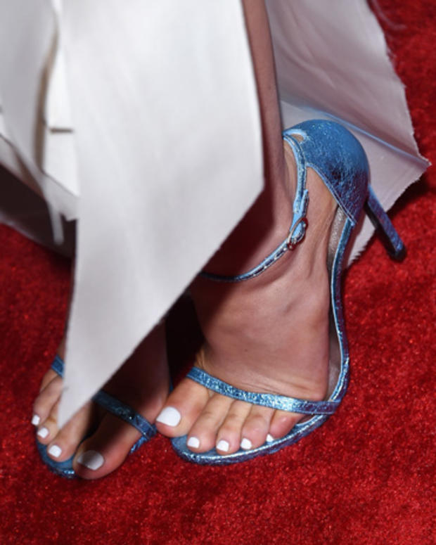 high-heels-462955062.jpg