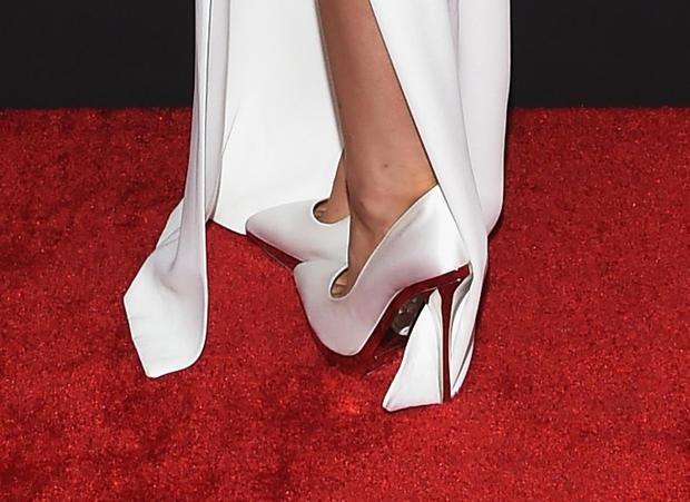 high-heels-463011408.jpg