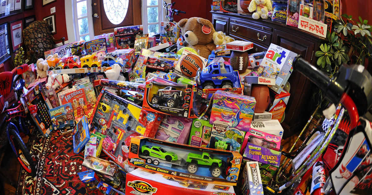 2013 Toys 4 Tots : Toys for tots tries to figure out how make deliveries