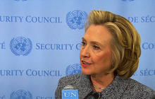 Hillary Clinton's defense of private email account fails to delete controversy