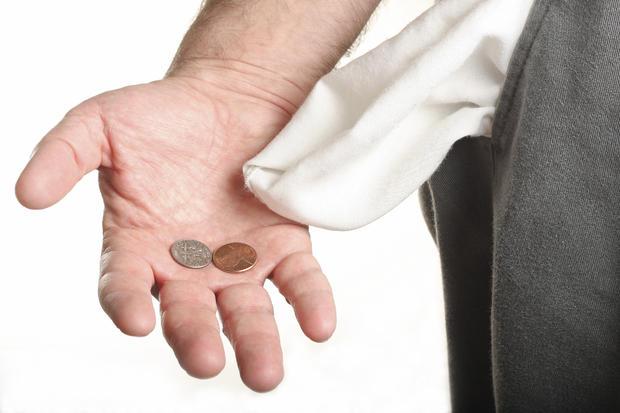 9 ways to save money when you're making minimum wage