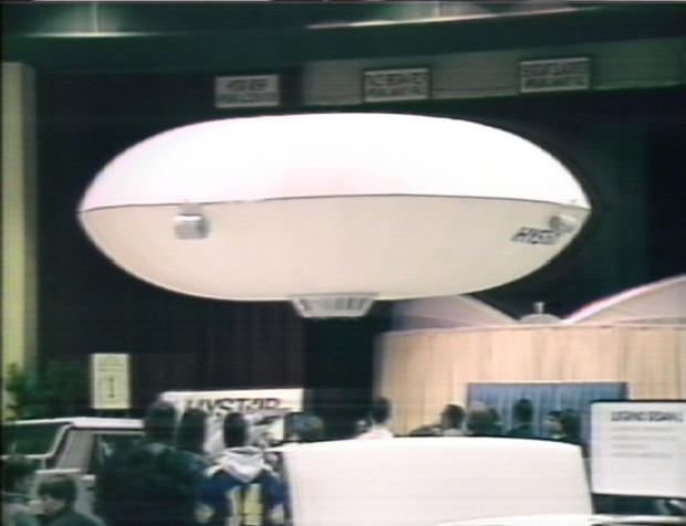 floating-saucer-air-show.jpg