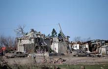 Tornado shatters Illinois town