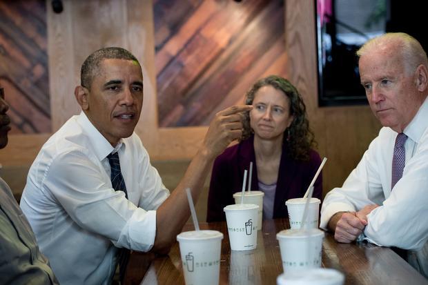 ObamaShakeShack_491339729.jpg