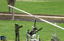 Gyrocopter flouts no-fly zone, lands on Capitol lawn