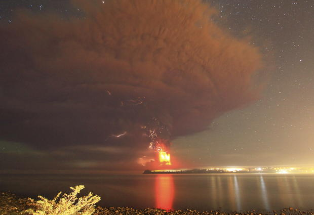 Dramatic volcano eruption in Chile