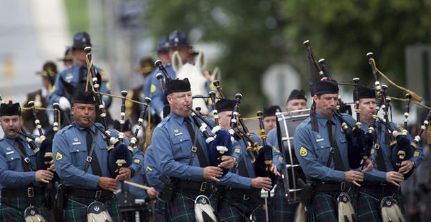 Bagpipes The Vice President S Eldest Son Beau Biden Eulogized At Funeral Cbs News
