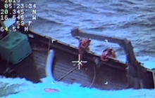 Coast Guard saves Alaskan fishermen seconds before ship sinks