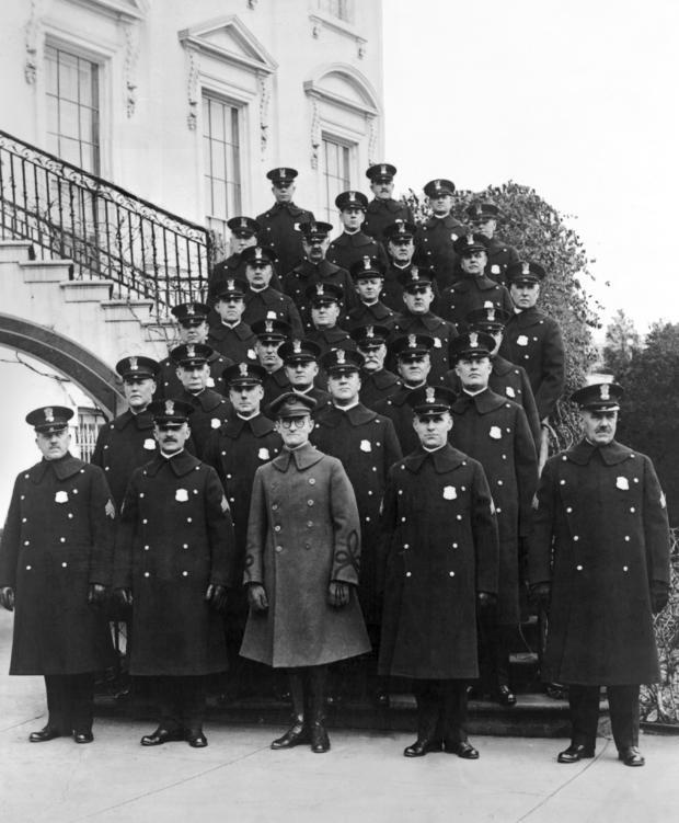 loc-white-house-police-force-1923.jpg
